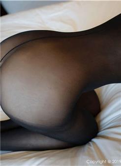 饥渴少妇丝袜诱惑卧室自拍照片