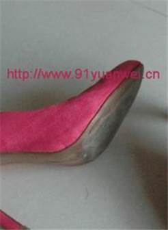 打胶原味高跟鞋贴吧迷恋上了老婆闺蜜的红色高跟鞋【5p】