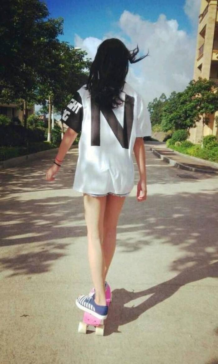 唯美意境图片女生背影高清图(3)(点击浏览下一张趣图)