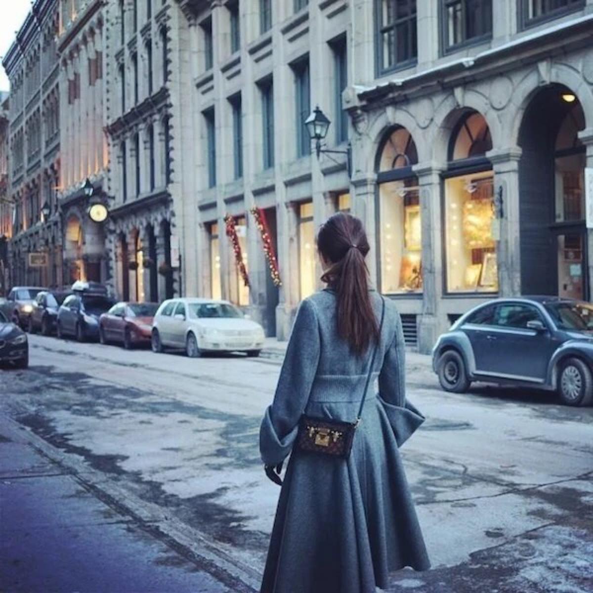 冬天背影图片女生唯美大图(点击浏览下一张趣图)