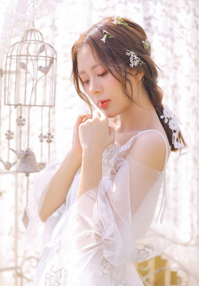美丽的新娘雪儿(点击浏览下一张趣图)