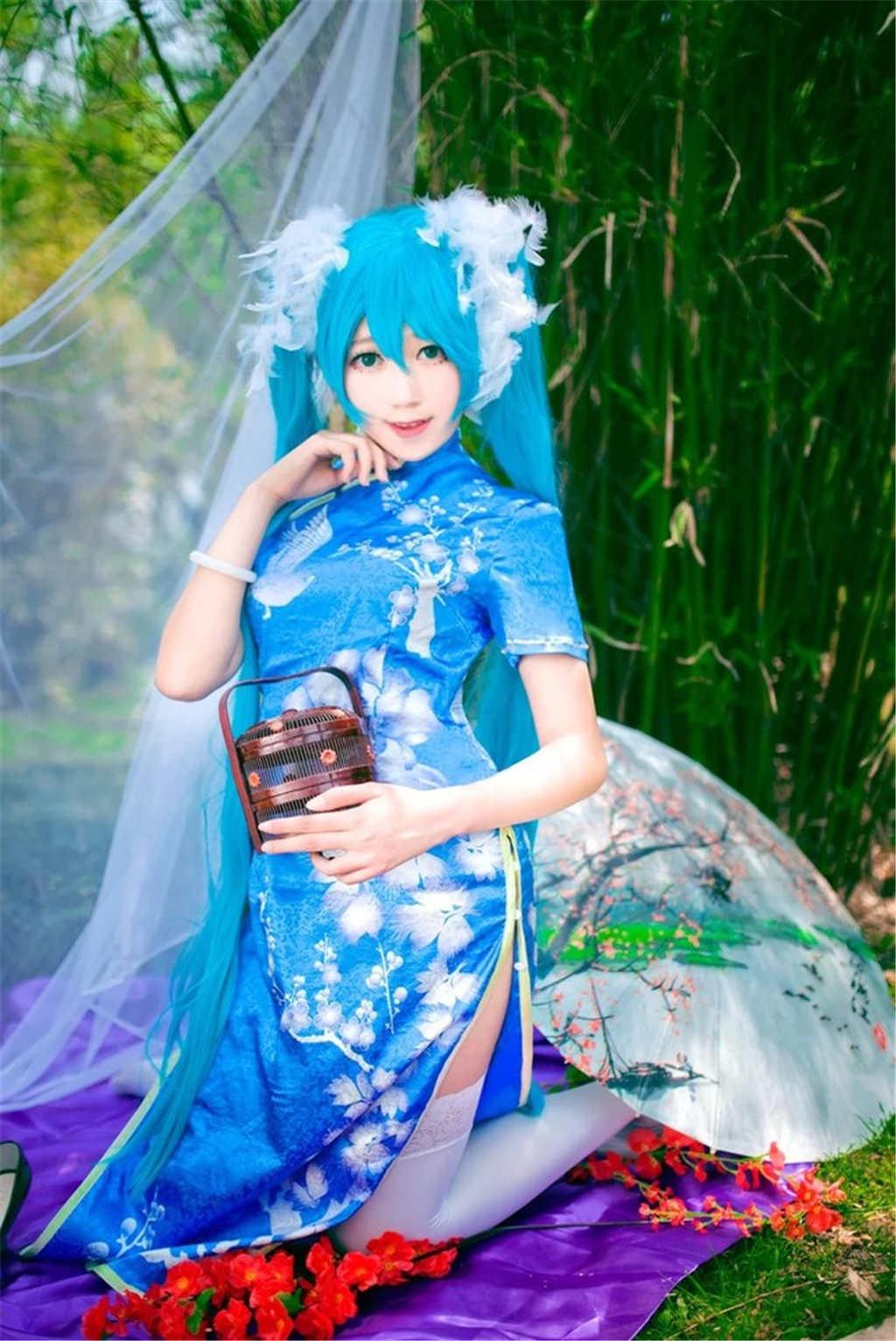 小乔白丝旗袍cos绝对领域甜美写真(点击浏览下一张趣图)