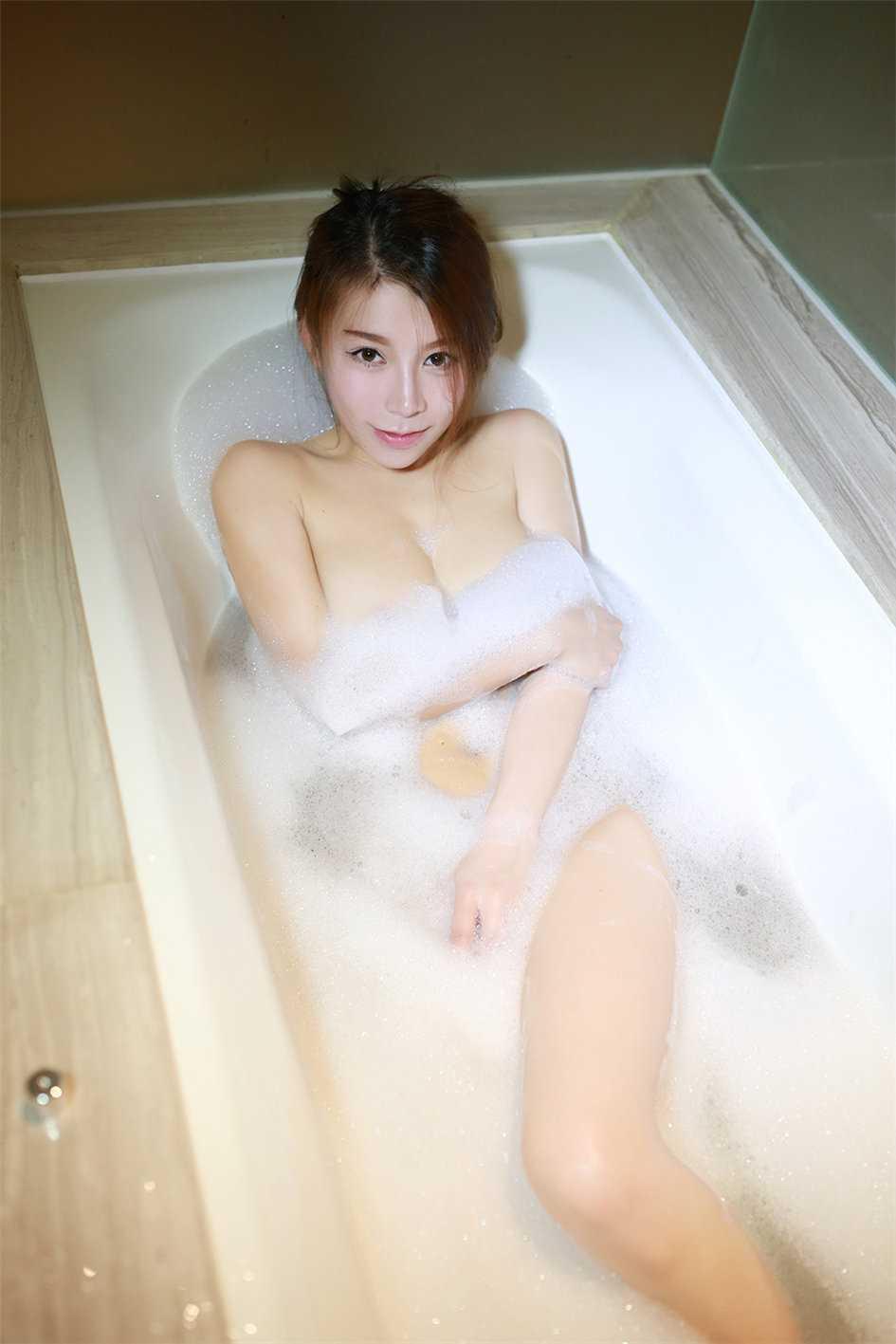 浴室泡沫全裸美女好难受想要男内图(点击浏览下一张趣图)
