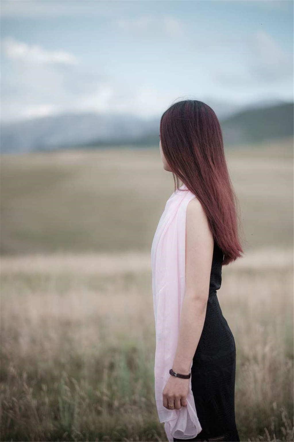女生头像背影长发唯美大图(点击浏览下一张趣图)