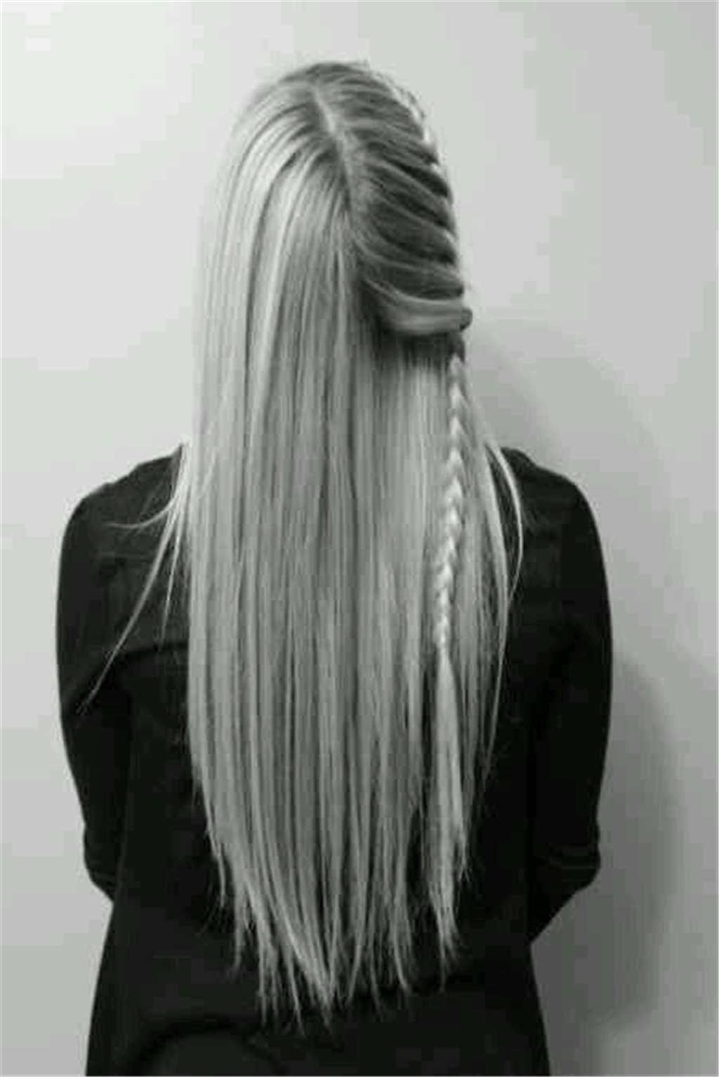 长发及腰女孩背景黑白照片(点击浏览下一张趣图)