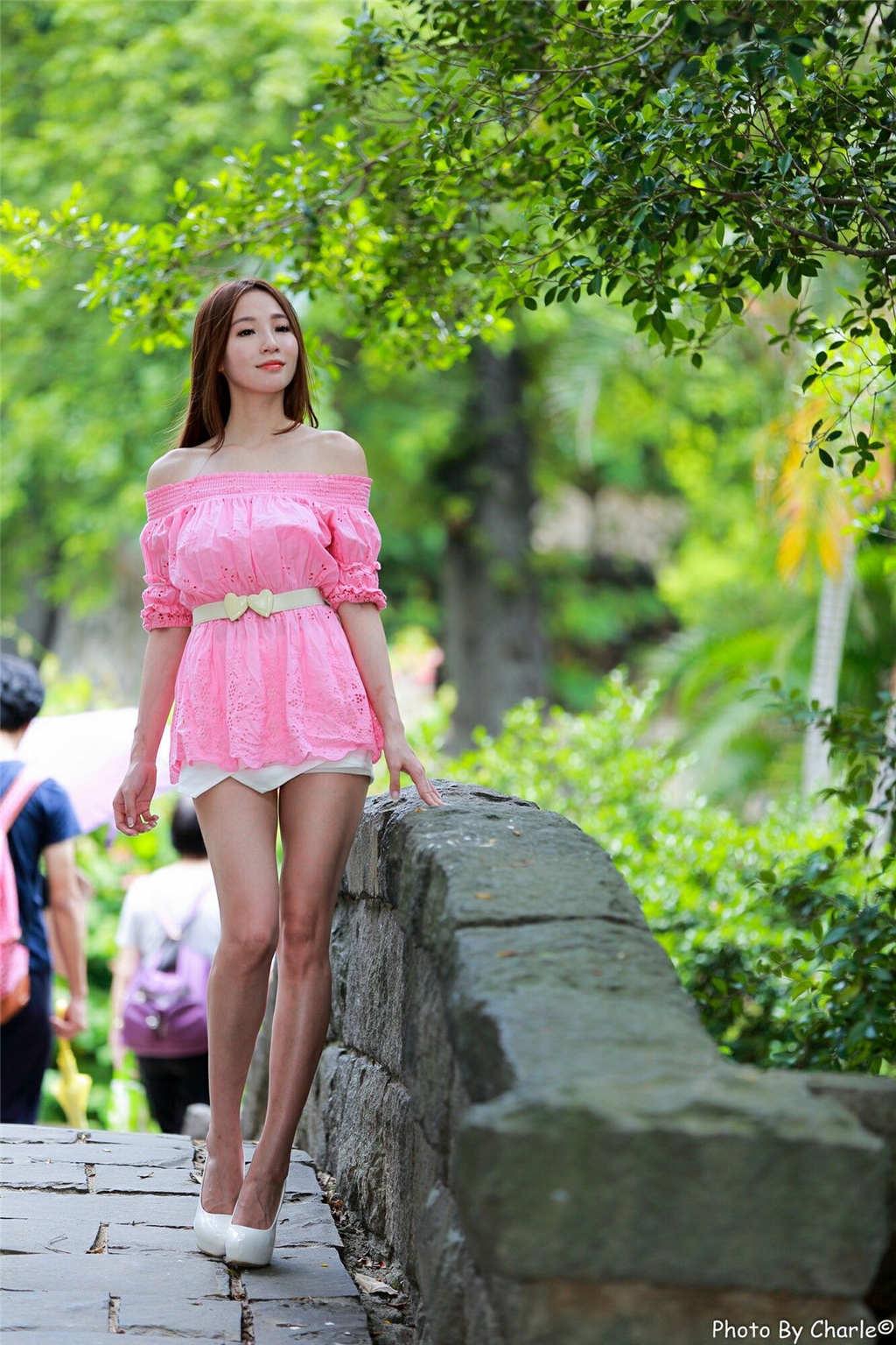 台湾女神小安柏Anber唯美性感写真(点击浏览下一张趣图)