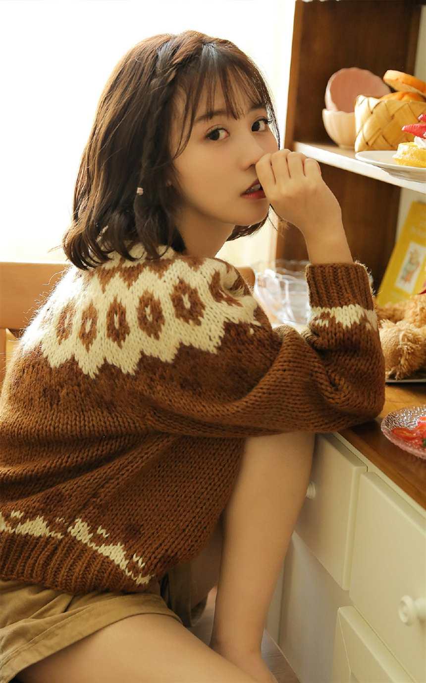极品美女模特,性感毛衣(点击浏览下一张趣图)