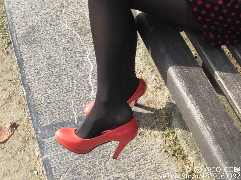 高中生帆布鞋(点击浏览下一张趣图)