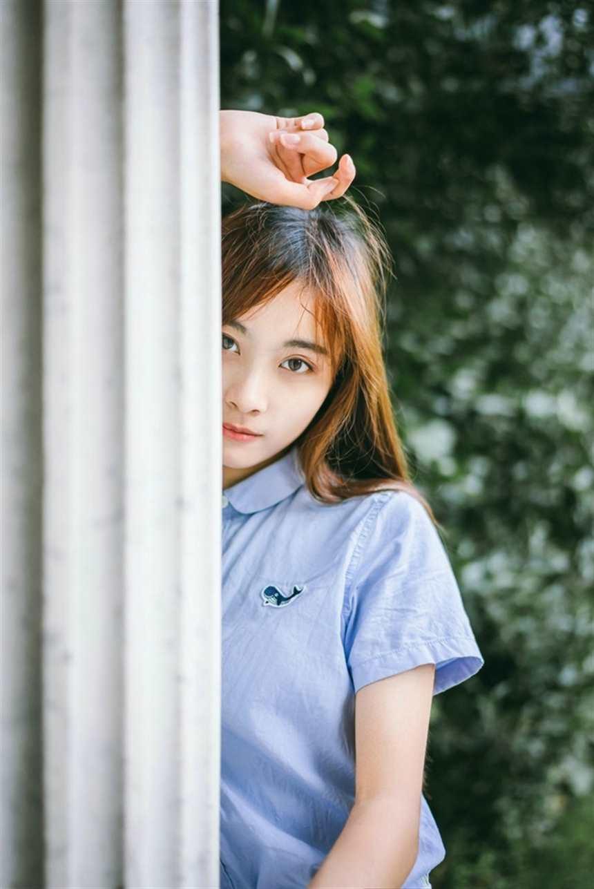 素颜清纯美女迷人户外娇巧甜美可爱写真(点击浏览下一张趣图)