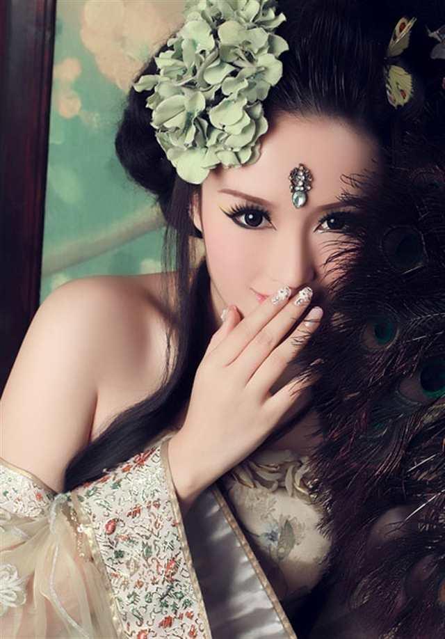 妖艳古装美女图片(点击浏览下一张趣图)